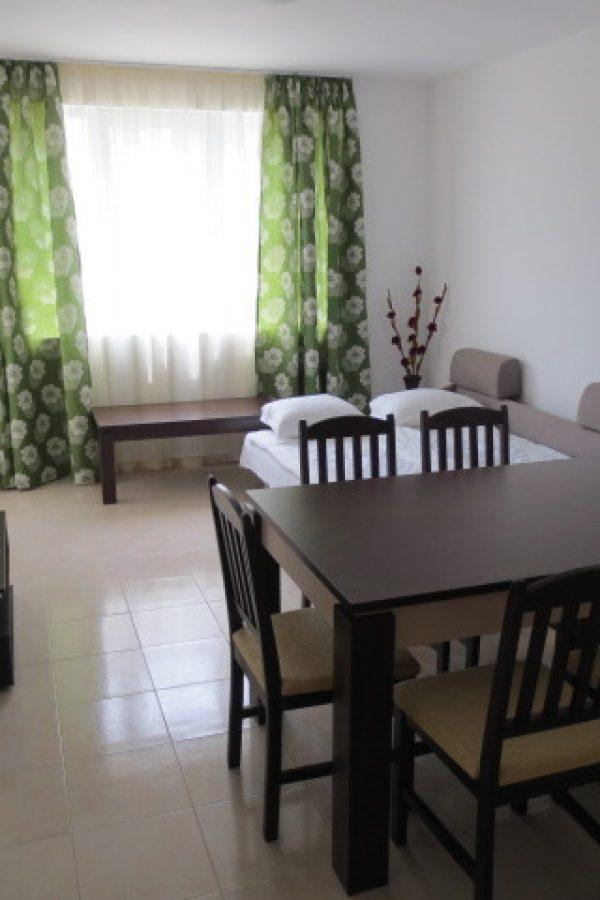 Примерен апартамент 6  ~80м² Гледка градина
