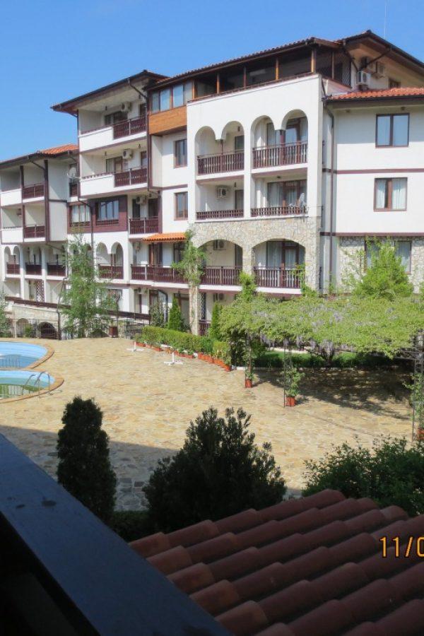 Примерен апартамент Парк8  ~50м² Гледка градина