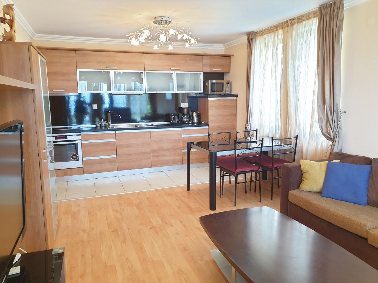 Bademi_Livingroom_kitchenette2
