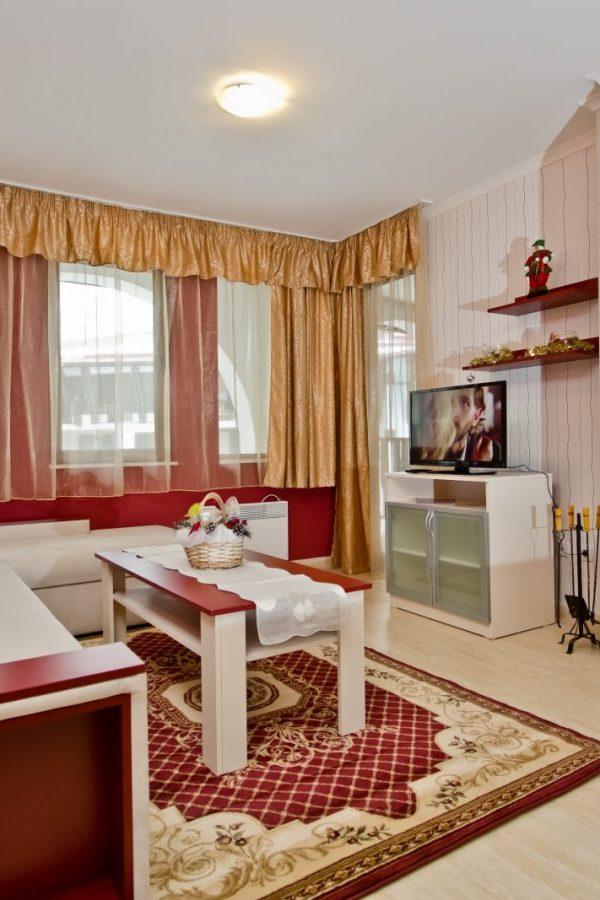 Примерный апартамент с 2-мя спальнами и холлом 6  ~80квм. Вид на горы или вид на здание