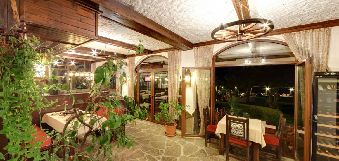 "<img src=""https://laguna-tours.com/cms/wp-content/uploads/2018/05/360-2.svg"" alt=""360""> Панорама"